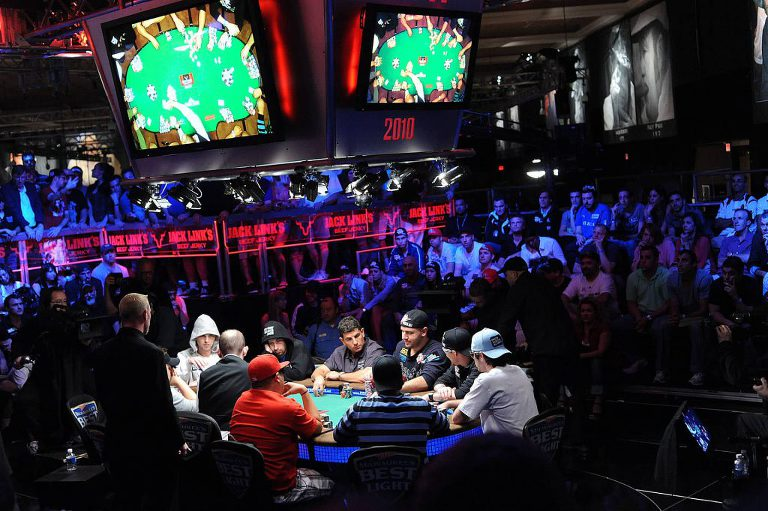 2010_Main_Event_Ten-Handed_Final_Table